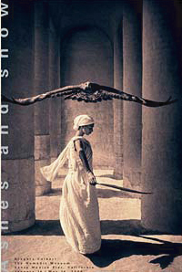 『Ashes and snow Eagle with Dancer Santa Monica 』 グレゴリー・コルベール(Gregory Colbert) | ポスター通販のアズポスター